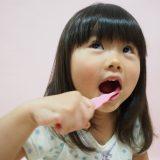 臭いが気になったら早めに対処しよう!子供の口臭の原因と対策。